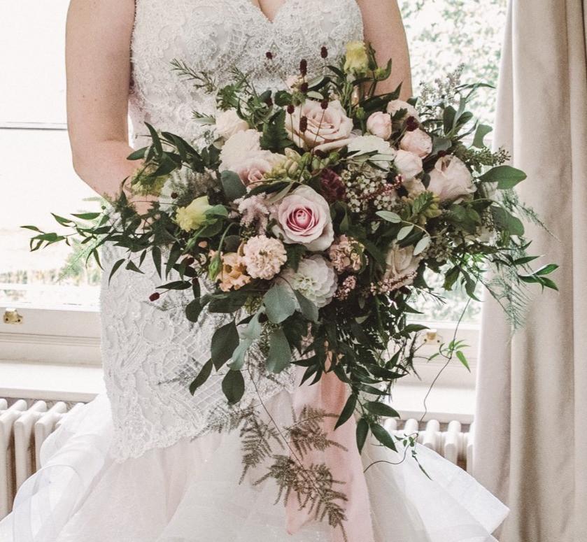Freeform Bridal Bouquet - Photographer www.louiephotography.co.uk