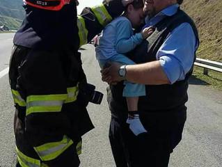 A caminho do Santuário de Aparecida, menino é resgatado em meio a engavetamento