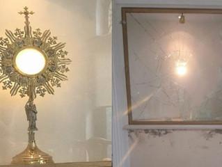 Roubam e profanam a Eucaristia em capela de Adoração Perpétua na Argentina