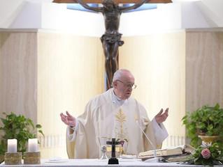 Papa na S. Marta: atenção às curiosidades no mundo virtual