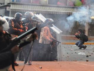 Vaticano condena assédio e violência durante consulta popular na Venezuela