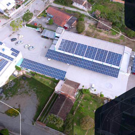 Supermercados: 7 motivos para investir em energia solar
