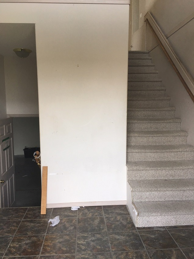 before foyer3