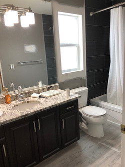 Guest bath before2