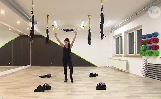 Just Jump Fitness Warszawa i Agnieszka Szaniawska instruktor fitness w programie telewizji TVN Ugotowani. Agnieszka pokazuje jak wyglądają zajęcia Bungee Fitness