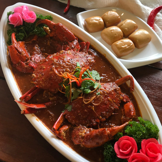 Red Chilli Crab with buns.jpg