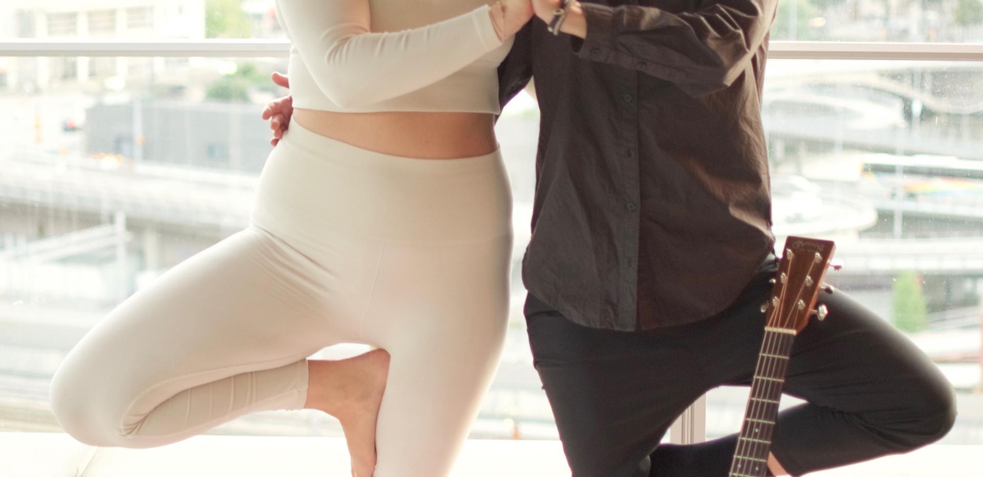 Yoga och Live Musik Clarion Sign