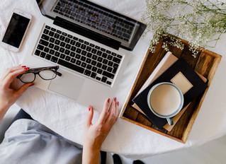 Kiedy decydować się na szkolenie językowe on-line?  8 powodów, dla których warto je realizować w fir