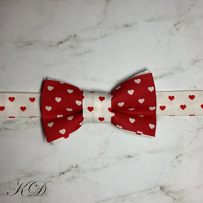 Red and White Small Hearts Bow Tie