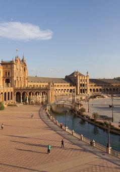 Plaza_de_España_(Sevilla)_-_01.jpg