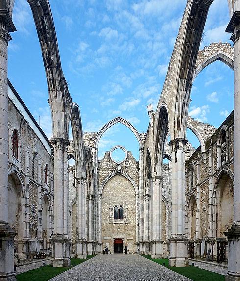 Lisbonne_covento_do_carmo_int.jpg