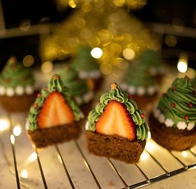 Christmas Cupcakes (1 of 4).jpg