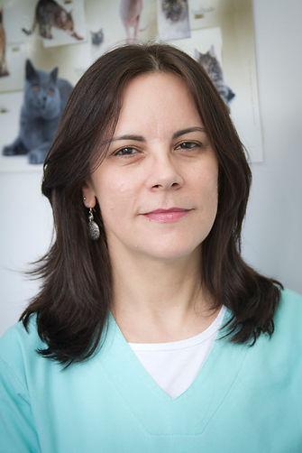 Dra Denise Costa Oliveira, Veterinária Cão Carinho