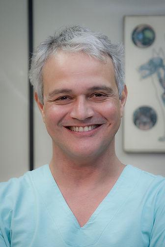Dr Paulo Fernando Souza Oliveira, Veterinária Cão Carinho