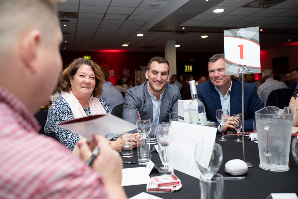 Adam Reeves entertaining Sam Warburton R