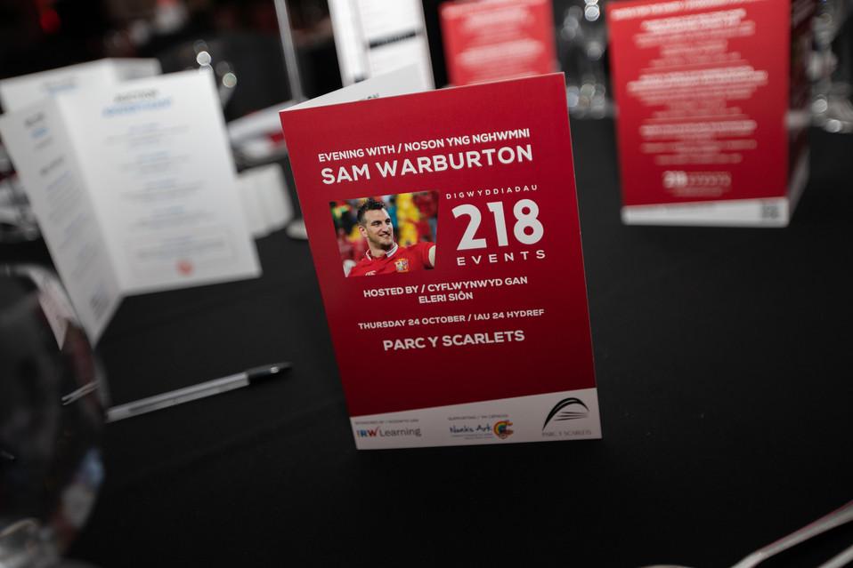 Sam Warburton menu Parc y Scarlets 218 E