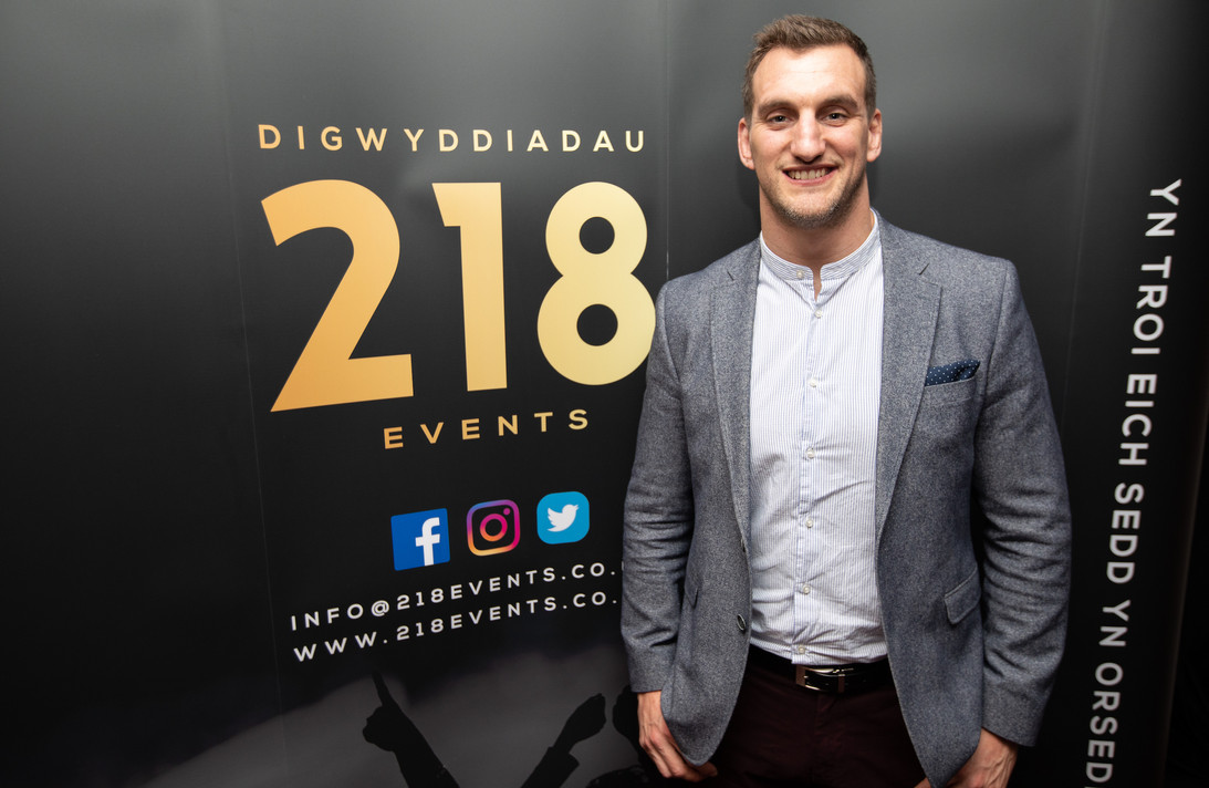 Sam Warburton endorsing 218 Events.jpg