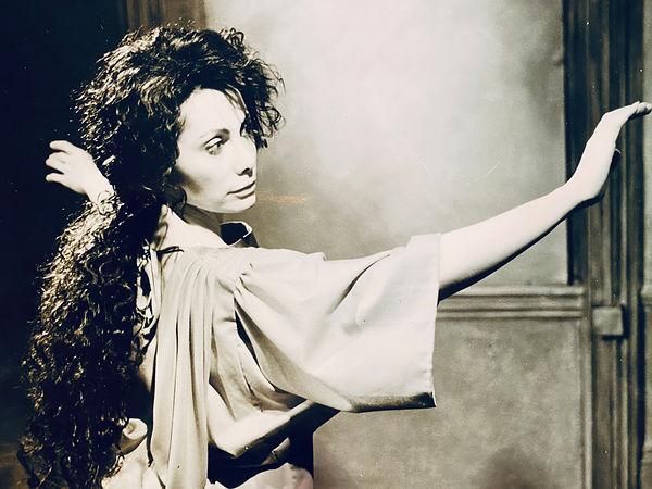Mary Magdalene, in %22Covenant%22, Londo