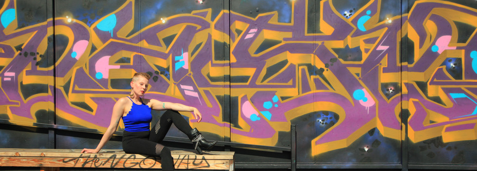 wide shot graffiti .JPG