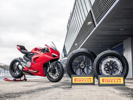 Nya däck till motorcykel