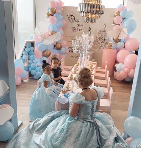 assepoester luxe kinderfeestje prinsessenfeestje inhuren prinses boeken entertainment spro