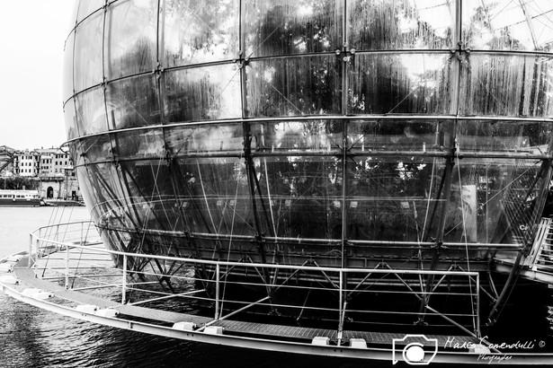 Globe-Genova-2.jpg