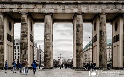 Brandeburgogate-2.jpg