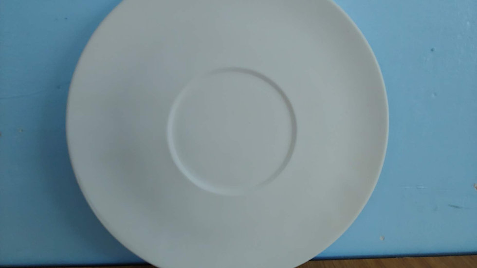 Plate with circle in center