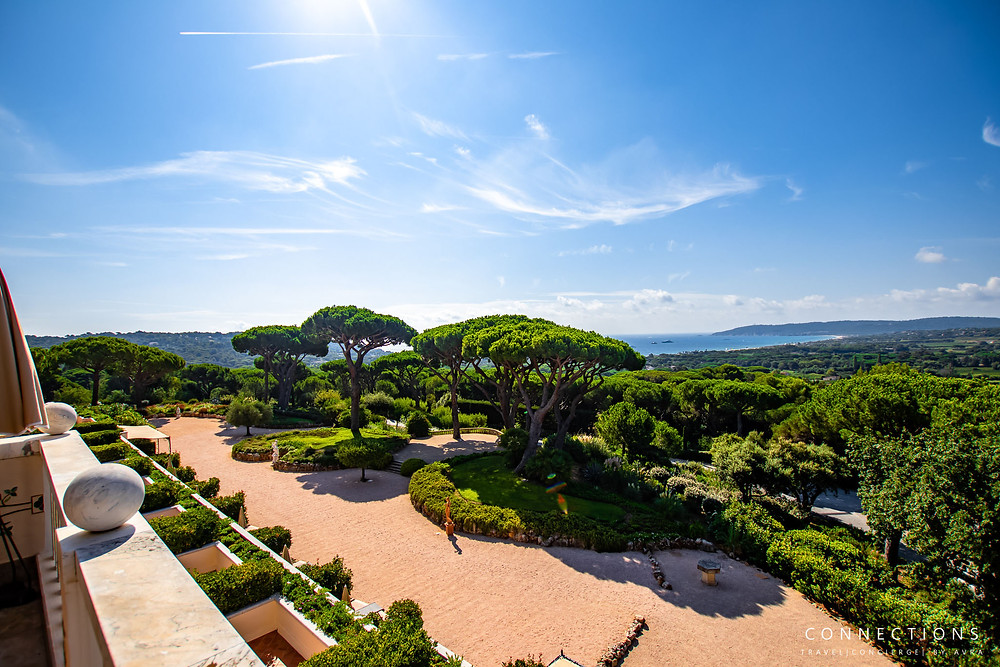 Terrace views Overlooking the botanical garden and the Gulf of Saint Tropez