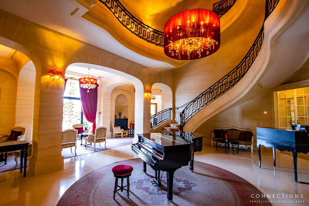 Piano Lounge in Chateau Mont Royal Chantilly