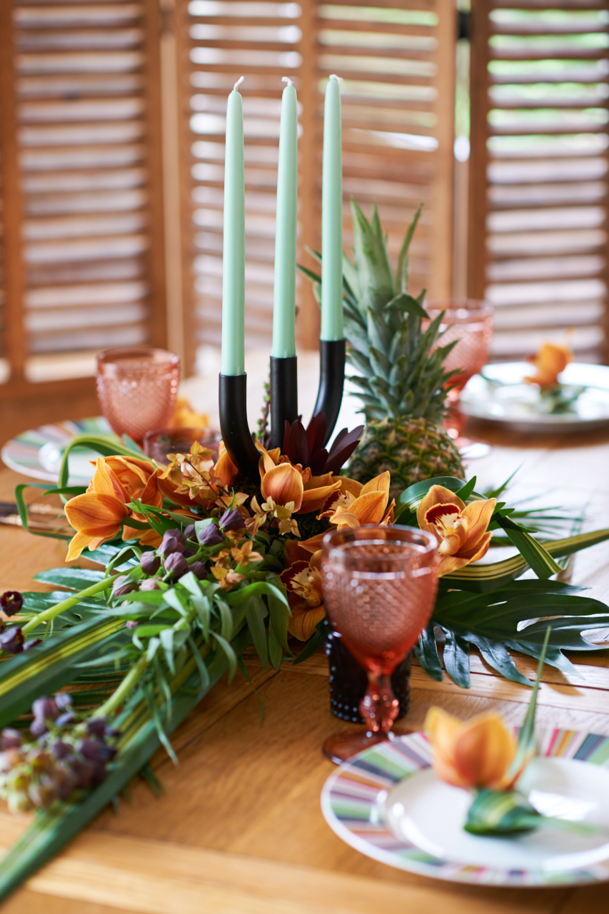 Exotic Tropical Table Scape