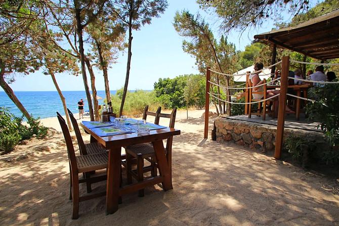 Restaurante Ses Boques: Geheimtipp im Süden von Ibiza in der Bucht von Es Cubells
