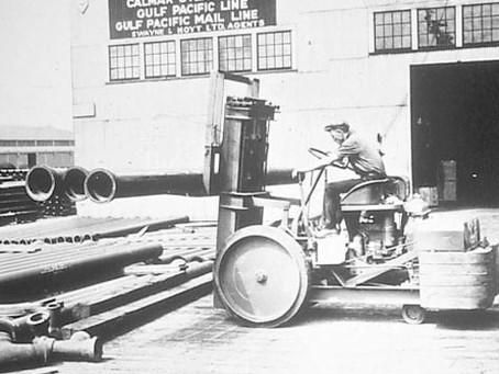 História das empilhadeiras: confira como este equipamento vital evoluiu ao longo do tempo