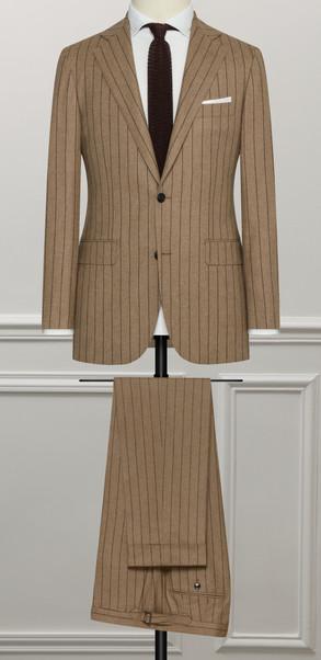 costume marron rayure