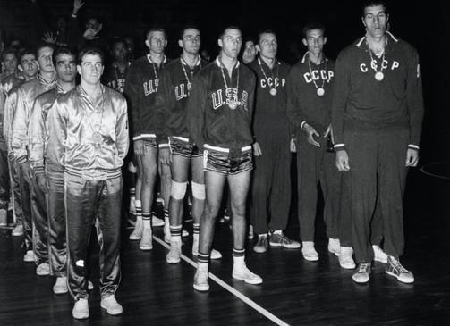 Basket: 1°  USA;  2° URSS;  3° Brasile.