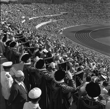 Lo stadio Olimpico gremito di spettatori.