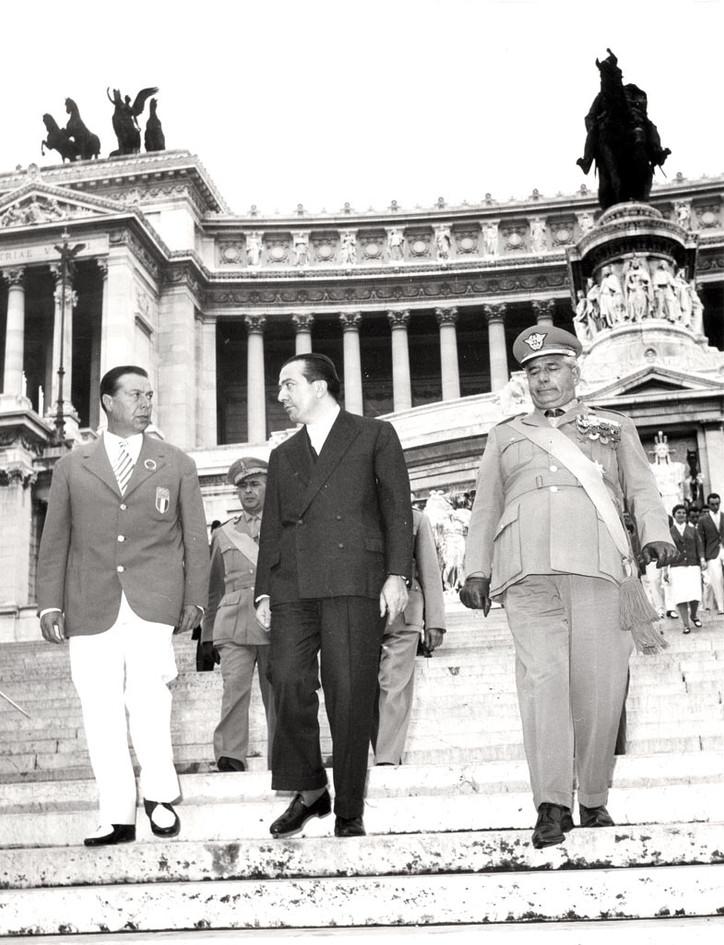 L'avv. Giulio Onesti Presidente del CONI e l'on. Giulio Andreotti, presidente del Comitato Organizzatore delle Olimpiadi.