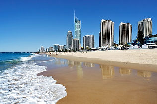 australia-queensland-gold-coast-surfers-