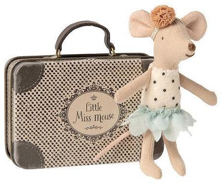danseuse souris dans valise
