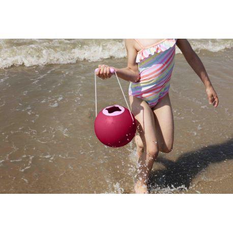 Seau de plage design Ballo cerise - Quut