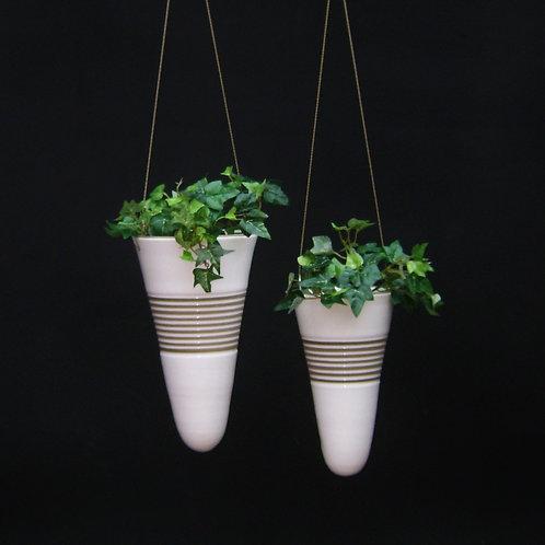 Conjunto vaso de parede suspenso para plantas cone frisado branco