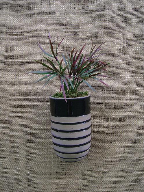 Vaso de parede para plantas era listrado preto