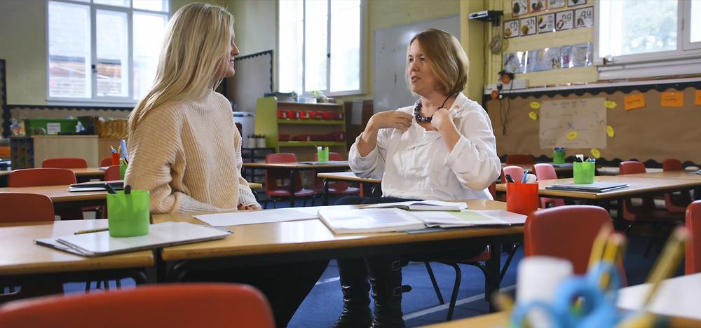 Katie Neilson mentoring a primary school teacher