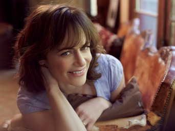 BEATING THE ODDS:  SARAH CLARKE On Bosch, Twilight & Following Her Bliss.