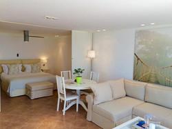 Acacia suite inside