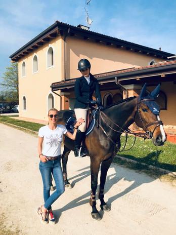 Sandra Piwowarczyk with Amelia Ostrowska & Jakarta