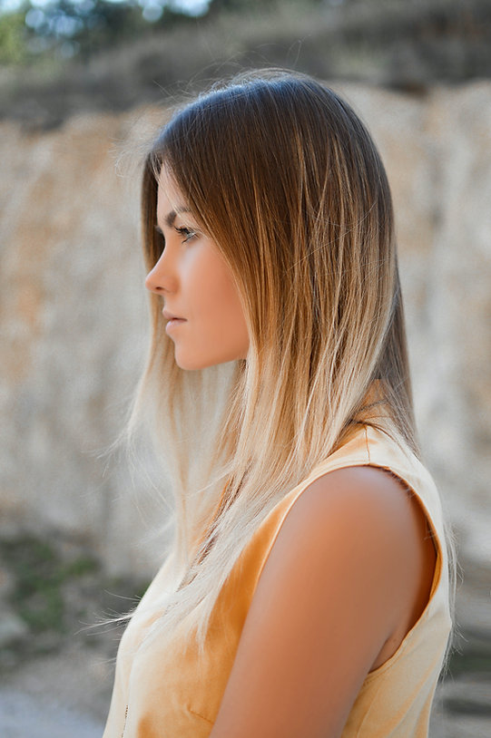 2021 Hair Color Trends Sun-kissed blonde