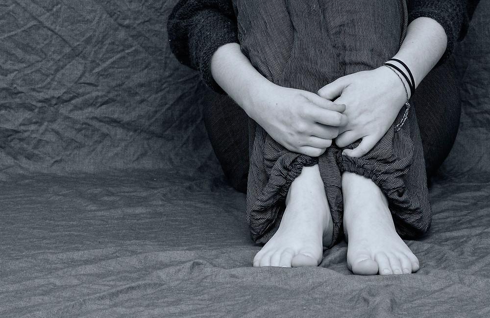 черно белые ноги, грусть, авторское фото