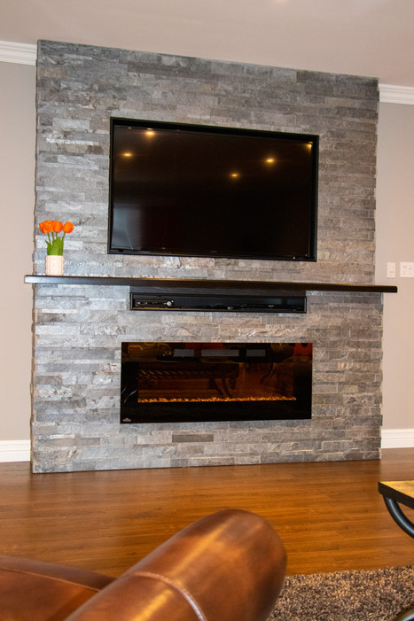 Common area - home theatre / fireplace