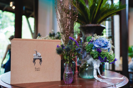 Wedding gift box painting